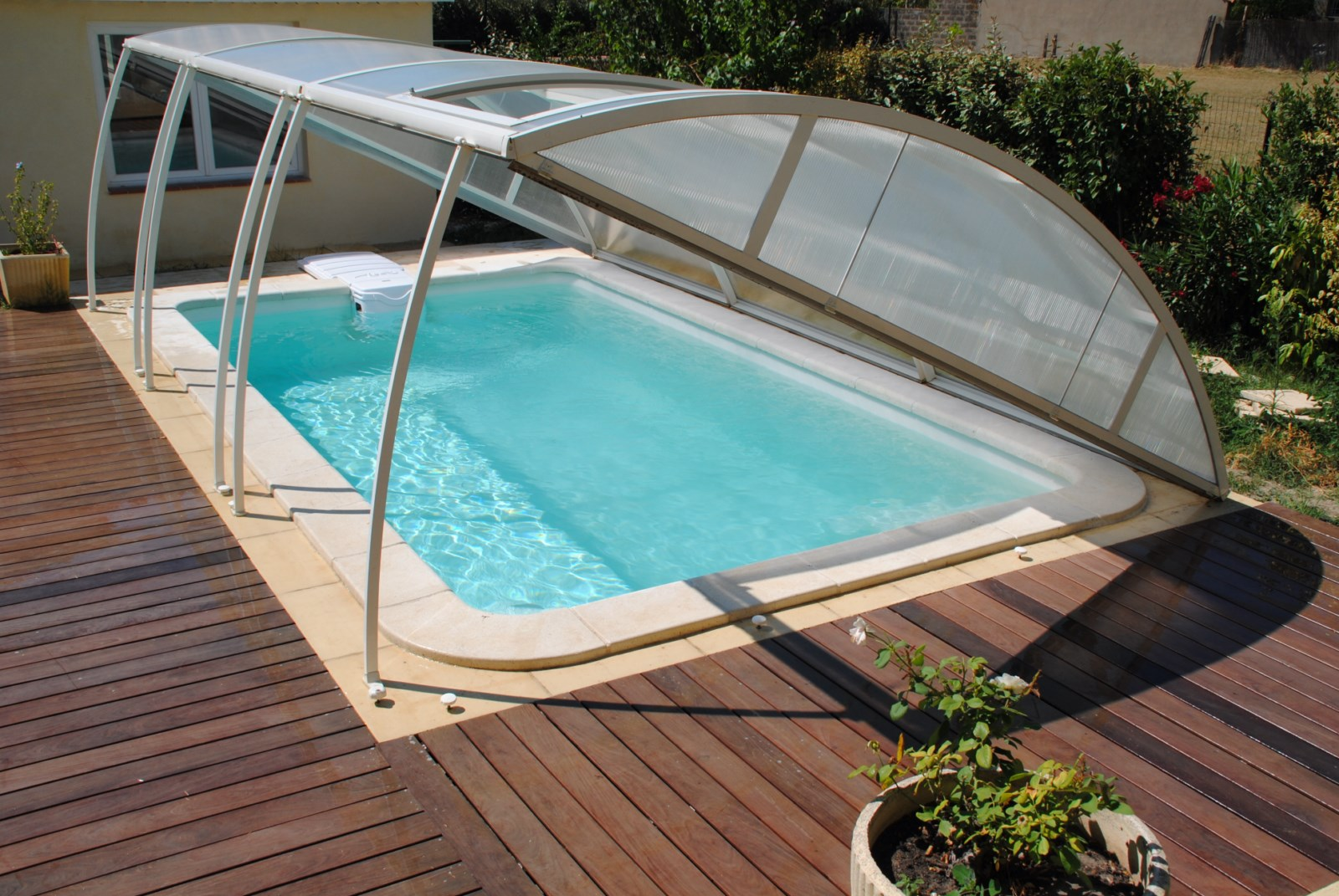 Piscine coque moins cher affordable piscine coque for Kit piscine coque