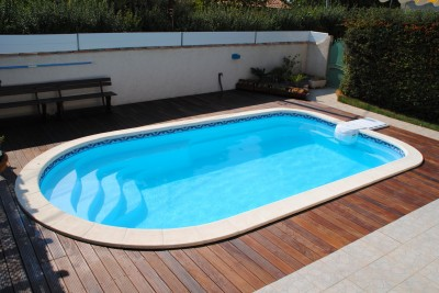 Piscine coque polyester FABRICATION FRANCAISE qualité exclusive